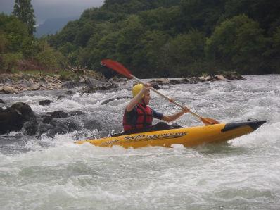 airyak kayak pays basque eaux vives faire du kayak gonflable en rivière