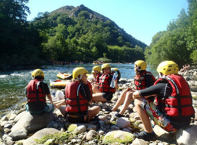 rafting pays basque au pas de roland faire du raft au pays basque